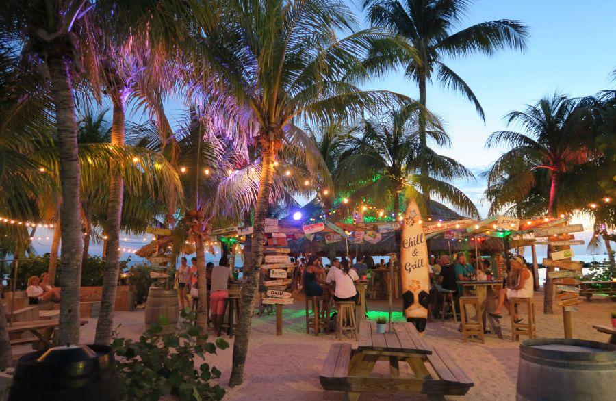 Omgeving Villa Kas Oraño | Curacao | Bars & clubs